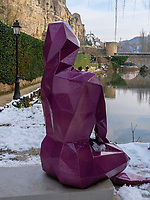 An der Alzette in Grund, Luxemburg-City, Luxemburg, Europa,<br /> Sculpture at Alzette in Grund, Luxembourg City, Europe
