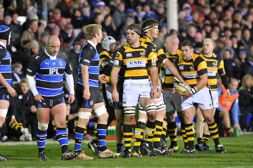 Photo: Tony Oudot/Richard Lane Photography. Bath Rugby v London Wasps. Aviva Premiership. 27/11/2010. .Joe Worsley of Wasps argues a point with Simon Taylor of Bath.