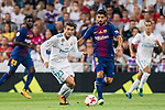 Mateo Kovacic (l) of Real Madrid fights for the ball with Luis Suarez of FC Barcelona during their Supercopa de Espana Final 2nd Leg match between Real Madrid and FC Barcelona at the Estadio Santiago Bernabeu on 16 August 2017 in Madrid, Spain. Photo by Diego Gonzalez Souto / Power Sport Images