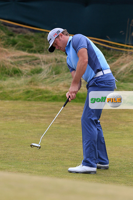 Jamie DONALDSON (WAL) putts at the 17th green during Thursday's Round 1 of the 2015 U.S. Open 115th National Championship held at Chambers Bay, Seattle, Washington, USA. 6/18/2015.<br /> Picture: Golffile | Eoin Clarke<br /> <br /> <br /> <br /> <br /> All photo usage must carry mandatory copyright credit (&copy; Golffile | Eoin Clarke)