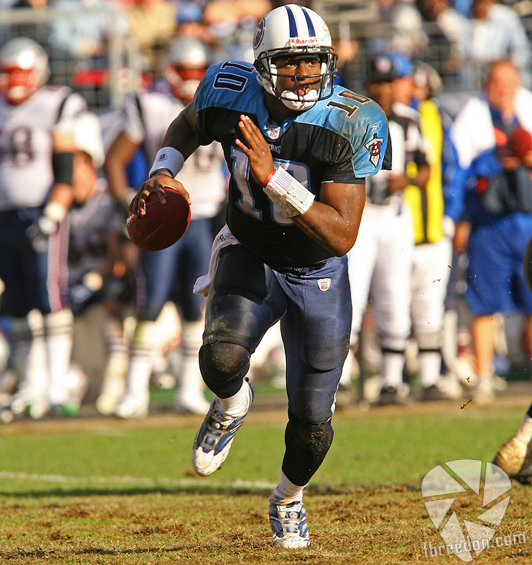 New England Patriots face theTennessee Titans at LP Field in Nashville, Tennessee on December 30, 2006. The Patriots won 40-23 eliminating the Titans playoff hopes. (Photo / Frederick Breedon IV)