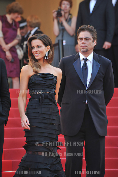 Kate Beckinsale & Benicio Del Toro at the closing Awards Gala at the 63rd Festival de Cannes..May 23, 2010  Cannes, France.Picture: Paul Smith / Featureflash