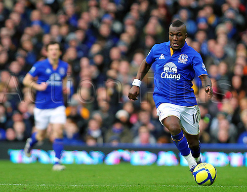 18.2.2012 Liverpool, England.  Goalscorer and Everton Dutch Midfielder Royston Drenthe breaks forward with the ball during the Budweiser FA Cup match between Everton and Blackpool, played at Goodison Park. Everton won by a score of 2-0 to move into the 6th round.