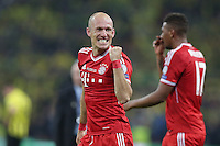 25.05.2013, Wembley Stadion, London, ENG, UEFA Champions League, FC Bayern Muenchen vs Borussia Dortmund, Finale, im Bild Jubel Arjen ROBBEN (FC Bayern Muenchen - 10) nach dem Sieg im Champions League Finale mit 2-1 gegen Borussia Dortmund // during the UEFA Champions League final match between FC Bayern Munich and Borussia Dortmund at the Wembley Stadion, London, United Kingdom on 2013/05/25. EXPA Pictures © 2013, PhotoCredit: EXPA/ Eibner/ Gerry Schmit<br /> <br /> ***** ATTENTION - OUT OF GER ***** <br /> 25/5/2013 Wembley<br /> Football 2012/2013 Champions League<br /> Finale <br /> Borussia Dortmund Vs Bayern Monaco <br /> Foto Insidefoto