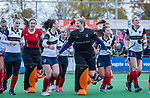 HUIZEN - Hockey - tevreden gezichten van 0a Eefje Verhees, Daphne Koolhaas (HUI)  ,   na de wedstrijd.   Hoofdklasse hockey competitie, Huizen-Bloemendaal (2-1) . COPYRIGHT KOEN SUYK