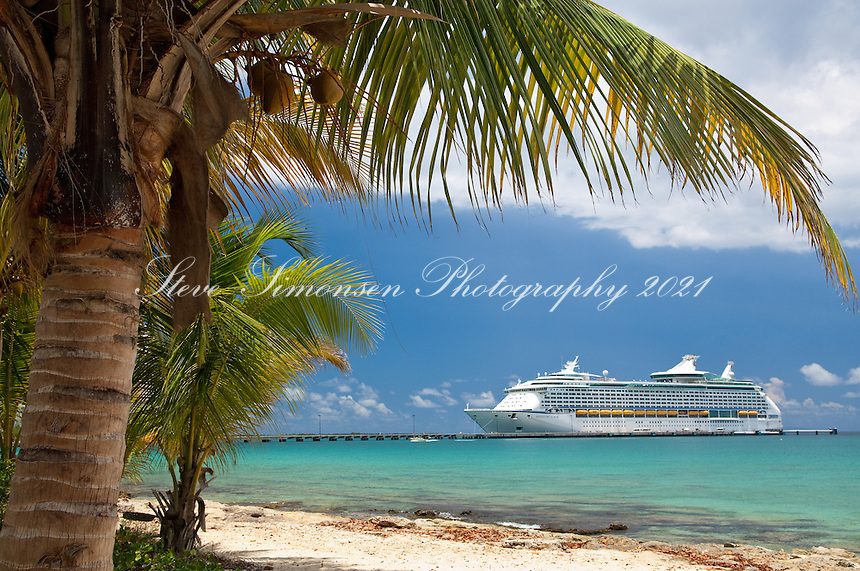 Fredericksted Pier with visiting cruise ship, St. Croix<br /> US Virgin Islands