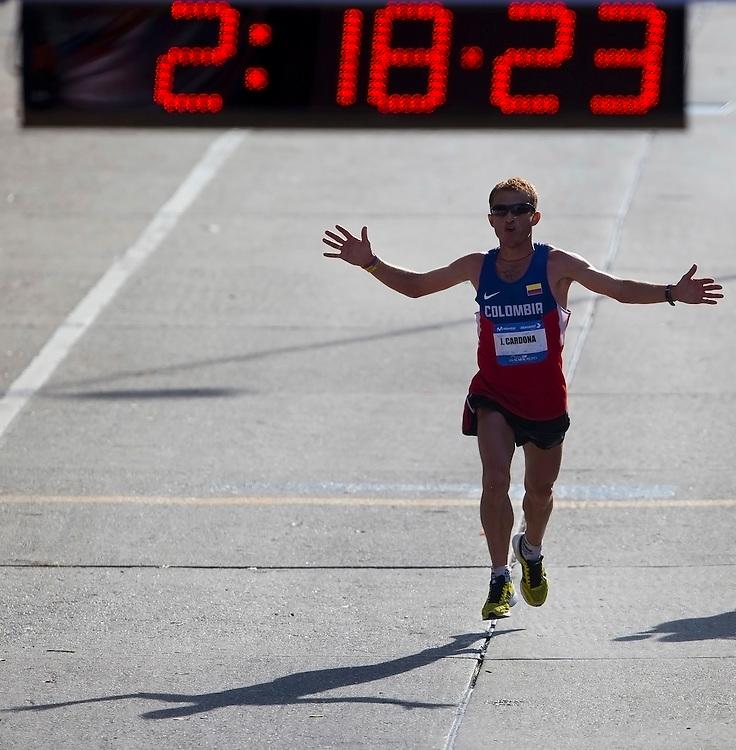 CARACAS - FEBRERO 24, 2013: Mas de 8.000 corredores de 32 nacionalidades y 24 elites, participan en la tercera edición del Maraton CAF Caracas 2013.  La competencia se hará en 42k y 21K.  (Nelson Pulido/Orinoquiaphoto/CAF)