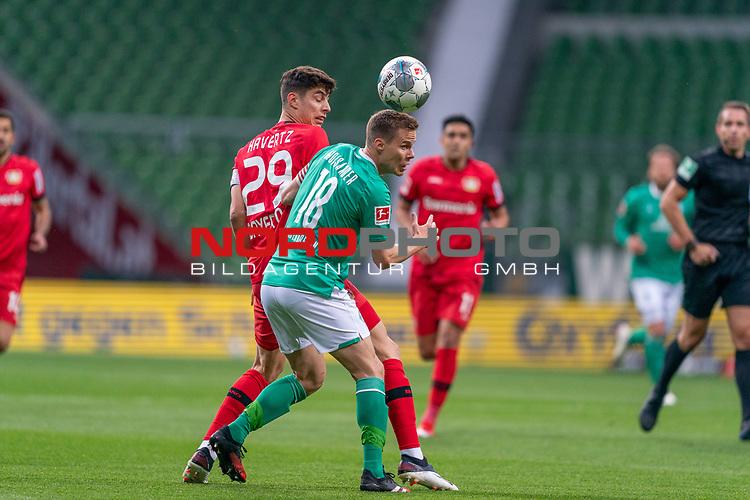 Kai Havertz (Leverkusen #29),   li <br /> Niklas Moisander (Werder Bremen #18 Kapitaen)<br /> <br /> Sport: Fussball: 1. Bundesliga: Saison 19/20: <br /> 26. Spieltag: SV Werder Bremen vs Bayer 04 Leverkusen, 18.05.2020<br /> <br /> Foto ©  gumzmedia / Nordphoto / Andreas Gumz / POOL <br /> <br /> Nur für journalistische Zwecke! Only for editorial use!<br />  DFL regulations prohibit any use of photographs as image sequences and/or quasi-video.