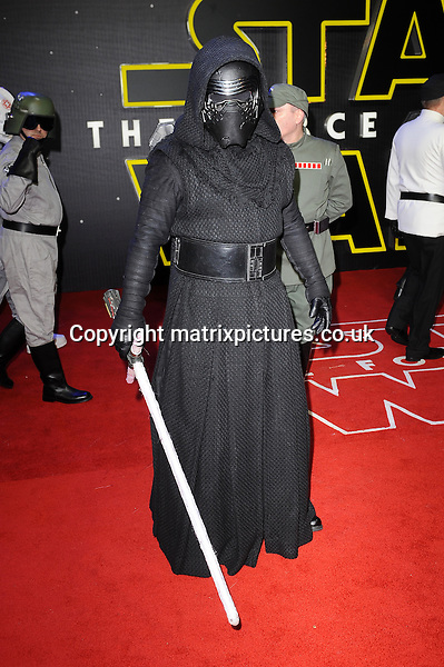 NON EXCLUSIVE PICTURE: PAUL TREADWAY / MATRIXPICTURES.CO.UK<br /> PLEASE CREDIT ALL USES<br /> <br /> WORLD RIGHTS<br /> <br /> The European Premiere of Star Wars: The Force Awakens in Leicester Square, in London.<br /> <br /> DECEMBER 16th 2015<br /> <br /> REF: PTY 153700