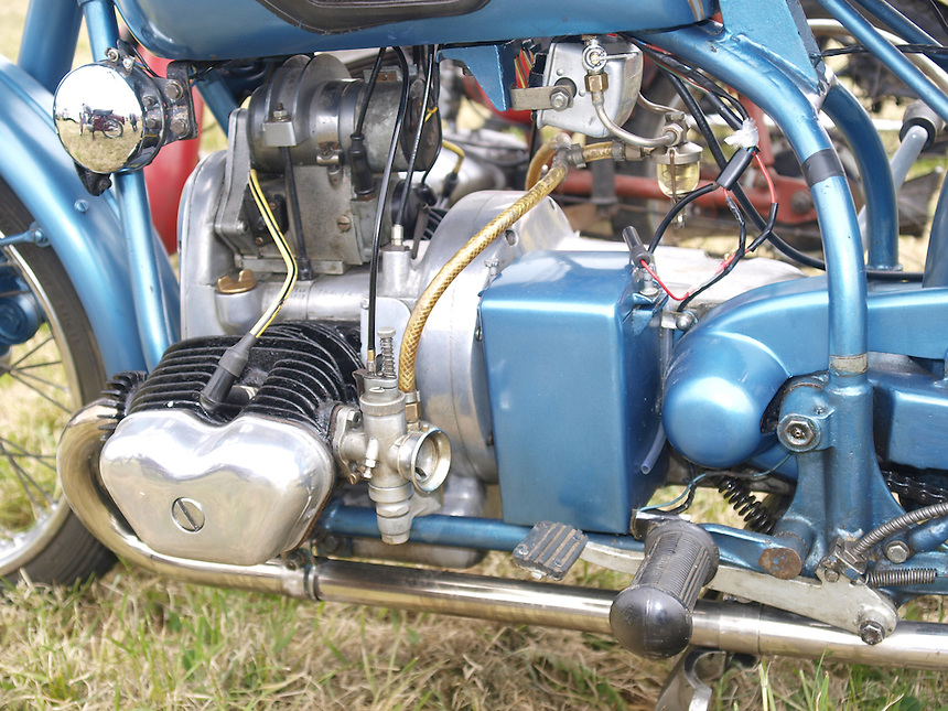 Motorbike Images, Motorbike Pictures, Old Motorbikes, Classic Motorbikes, Photos of Motorbikes, Photos of Motorcycles, Old Motorcycles, Classic Motorcycles, Motorcycle Images, Motorcycle Pictures, Images of Motorbikes, Images of Motorbikes, Pictures of Motorbikes, Pictures of Motorcycles, Motorbike Pictures, peter barker, pete barker, imagetaker1, imagetaker!,  Rides,Douglas 350cc Motorcycle Engines - 1950,Douglas 350cc Motorcycle Engines,