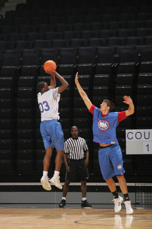 PF Quintrell Thomas (Elizabeth, NJ / St. Patrick's) shoots the ball during the NBA Top 100 Camp held Friday June 22, 2007 at the John Paul Jones arena in Charlottesville, Va. (Photo/Andrew Shurtleff)