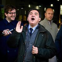 """""""Elezioni subito"""" manifestazione organizzata da Giuliano Ferrara comntro il governo Monti..Romano La Russa risponde ai contestatori"""