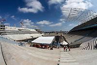 ATENCAO EDITOR FOTO AMBRAGADA PARA VEICULO INTERNACIONAL - SAO PAULO, SP, 28 NOVEMBRO 2012 - VISITA FIFA AO ITAQUERAO - vista do estadio que ira realizar a cobertura da Copa do Mundo de 2014 no Brasil Arena Sao Paulo durante comitiva da Fifa de metrô da estação da Luz em São Paulo (SP), na manhã desta quarta-feira (28), com chegada à estação Corinthians/Itaquera. A comitiva da Fifa vistoria as obras da Arena Corinthians, em Itaquera, zona leste. FOTO: VANESSA CARVALHO - BRAZIL PHOTO PRESS.