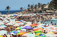 RIO DE JANEIRO, RJ, 16.11.2013 - CLIMA TEMPO / PRAIA / IPANEMA / RJ-  Movimentação de banhistas na praia de ipanema na zona sul da cidade do Rio de Janeiro, na tarde deste sábado (16) . (Foto: Marcelo Fonseca / Brazil Photo Press).
