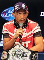 RIO DE JANEIRO, RJ, 01 AGOSTO 2013 - ENTREVISTA JOSE ALDO UFC 163 RIO - O atleta do UFC José Aldo participando da entrevista coletiva do UFC 163 que acontece no Rio De Janeiro na Lapa no Rio de Janeiro nessa quinta 01. (FOTO: LEVY RIBEIRO / BRAZIL PHOTO PRESS)