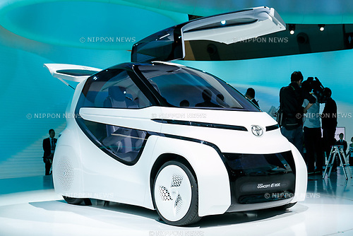 The Toyota Concept-i RIDE autonomous vehicle on display during the 45th Tokyo Motor Show 2017 in Tokyo Big Sight on October 25, 2017, Tokyo, Japan. Tokyo Motor Show 2017 will showcase new mobility solutions from over 153 Japanese and overseas automakers. The exhibition is open to the public from October 26 to November 5. (Photo by Rodrigo Reyes Marin/AFLO)