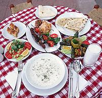 Turkey, Istanbul: Kebabs with yoghurt soup and Ayran yoghurt drink | Tuerkei, Istanbul: lokale Spezialitaeten - Kebabs mit Yoghurt Suppe and Ayran, Getraenk auf Yoghurtbasis