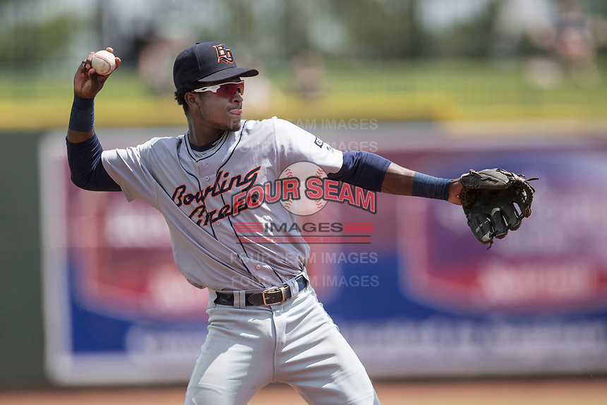 Bowling Green Hot Rods shortstop Lucius Fox (1) makes a throw to first base against the Great Lakes Loons during the Midwest League baseball game on June 4, 2017 at Dow Diamond in Midland, Michigan. Great Lakes defeated Bowling Green 11-0. (Andrew Woolley/Four Seam Images)