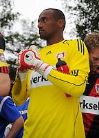 FUSSBALL   1. BUNDESLIGA   SAISON 2011/2012   TESTSPIEL Bayer 04 Leverkusen - Rangers FC                       13.07.2011 Torwart David YELLDELL (Bayer 04 Leverkusen)