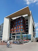 OBA, openbare bibliotheek op het Oosterdok in Amsterdam