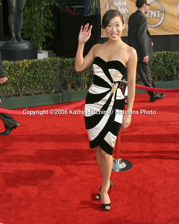 Sandra Oh.12th Annual Screen Actors Guild  Awards.Shrine Auditorium.Los Angeles, CA.January 29, 2006.©2006 Kathy Hutchins / Hutchins Photo....