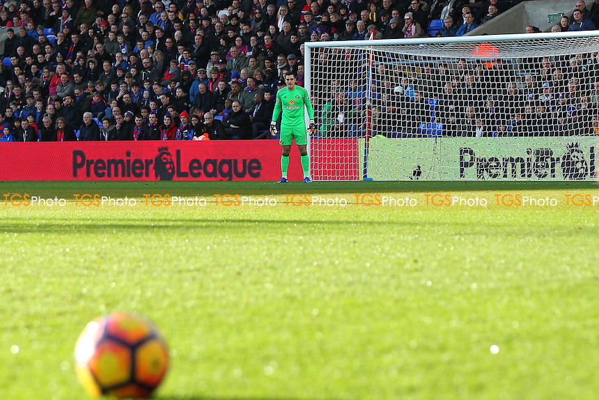 Vito Mannone of Sunderland awaits a free kick to be taken during Crystal Palace vs Sunderland AFC, Premier League Football at Selhurst Park on 4th February 2017