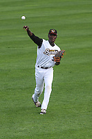 Quad Cities River Bandits pitcher Akeem Bostick (39) during warmups before a Midwest League game against the Wisconsin Timber Rattlers on May 8th, 2015 at Modern Woodmen Park in Davenport, Iowa.  Quad Cities defeated Wisconsin 11-6.  (Brad Krause/Four Seam Images)