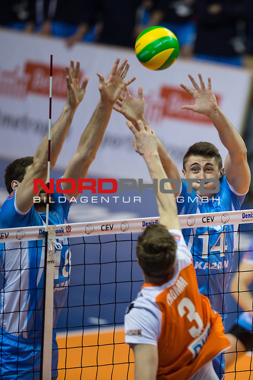 28.03.2015, Max Schmeling Halle, Berlin<br /> Volleyball, 2015 CEV Volleyball Champions League, Final Four, Halbfinale, BR Volleys (GER) vs. Zenit Kazan (RUS)<br /> <br /> Block / Doppelblock Maxim Mikhailov (#18 Kazan RUS), Alexander Gutsalyuk (#14 Kazan RUS) - Angriff Robert Kromm (#3 Berlin)<br /> <br />   Foto &copy; nordphoto / Kurth