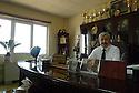 Iraq 2015 Dr.Walid M. Hamad, president of the university of Koysinjak in his office<br /> Irak 2015 Dr. Walid M.Hamad, president de l&rsquo;universit&eacute; de Koysinjak dans son bureau avec une photo de Jalal Talabani