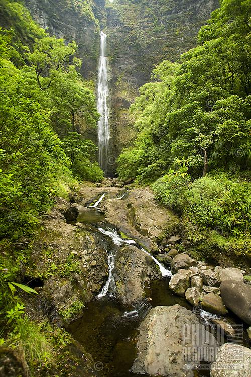 Trail to Hanakapiai Waterfall in Kauai's Na Pali coast