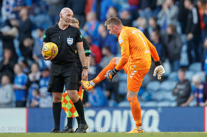 28.09.2018 Rangers v Aberdeen: Allan McGregor making a point to ref Bobby Madden at full time