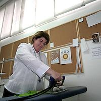 Fase di lavaggio e stiratura dei capi, prima d'essere disponibili per la prossima cliente