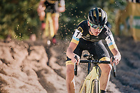 Tom Pidcock (GBR/U23/Telenet Fidea Lions) in the infamous Zonhoven 'Kuil' (or 'Pit')<br /> <br /> U23 race<br /> CX Super Prestige Zonhoven 2017