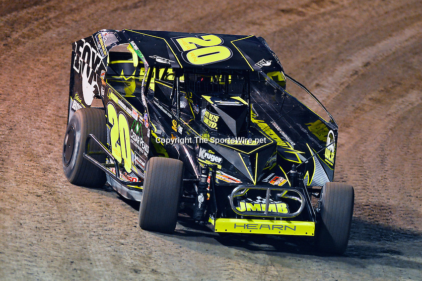 Feb 19, 2014; 6:44:49 PM;  Barberville, FL, USA;  Super DIRT car Series Big Block Modifieds presented by Summit Racing Equipment at Volusia Speedway Park.  Mandatory Credit: (thesportswire.net)