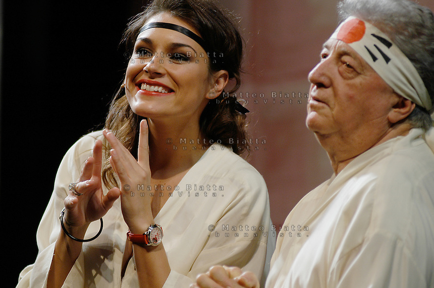 ALENA SEREDOVA - LA SIGNORA IN ROSSO NELLA FOTO ALENA SEREDOVA CON GIANFRANCO D'ANGELO DURANTE LO SPETTACOLO SPETTACOLI BRESCIA 28/02/2005 FOTO MATTEO BIATTA<br /> <br /> ALENA SEREDOVA - LA SIGNORA IN ROSSO IN THE PICTURE ALENA SEREDONA WITH GIANFRANCO D'ANGELO DURING THE SHOW BRESCIA 28/02/2005 PHOTO BY MATTEO BIATTA