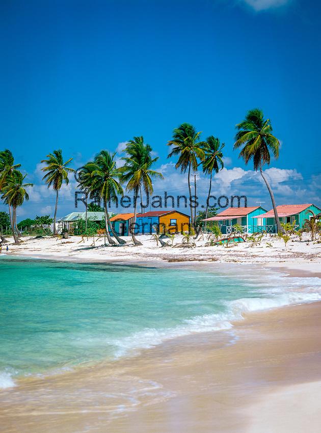 Dominikanische Republik, Isla Saona, Laguna Canto de la Playa, Strand, farbige Huetten   Dominican Republic, Saona Island, Laguna Canto de la Playa, beach, coloured huts