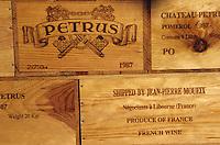 Europe/France/Aquitaine/33/Gironde/Pomerol: château Petrus - Caisses de vins [Non destiné à un usage publicitaire - Not intended for an advertising use] [Non destiné à un usage publicitaire - Not intended for an advertising use]