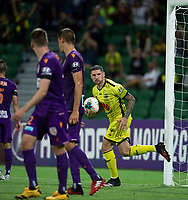 7th February 2020; HBF Park, Perth, Western Australia, Australia; A League Football, Perth Glory versus Wellington Phoenix; Gary Hooper of Wellington Phoenix runs the ball back after scoring from a header in the 68th minute to make the score 2-1 to Perth Glory