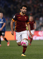 Calcio, Serie A: Roma vs Inter. Roma, stadio Olimpico, 19 marzo 2016.<br /> Roma&rsquo;s Mohamed Salah in action during the Italian Serie A football match between Roma and FC Inter at Rome's Olympic stadium, 19 March 2016. The game ended 1-1.<br /> UPDATE IMAGES PRESS/Isabella Bonotto