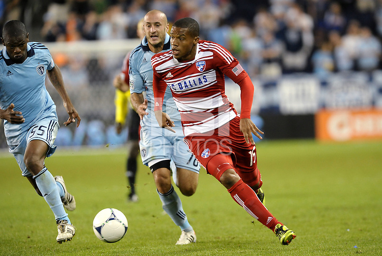 Luis Perea FC Dallas in action... Sporting KC defeated FC Dallas 2-1 at LIVESTRONG Sporting Park, Kansas City, Kansas.