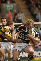 Leicester, ENGLAND, Tiger's Sam Vesty, [right] tries to break through Mark van Gisbergen' defence during the Guinness Premiership Rugby,  Leicester Tigers vs London Wasps, at  Welford Road. © Peter Spurrier/Intersport-images.com.