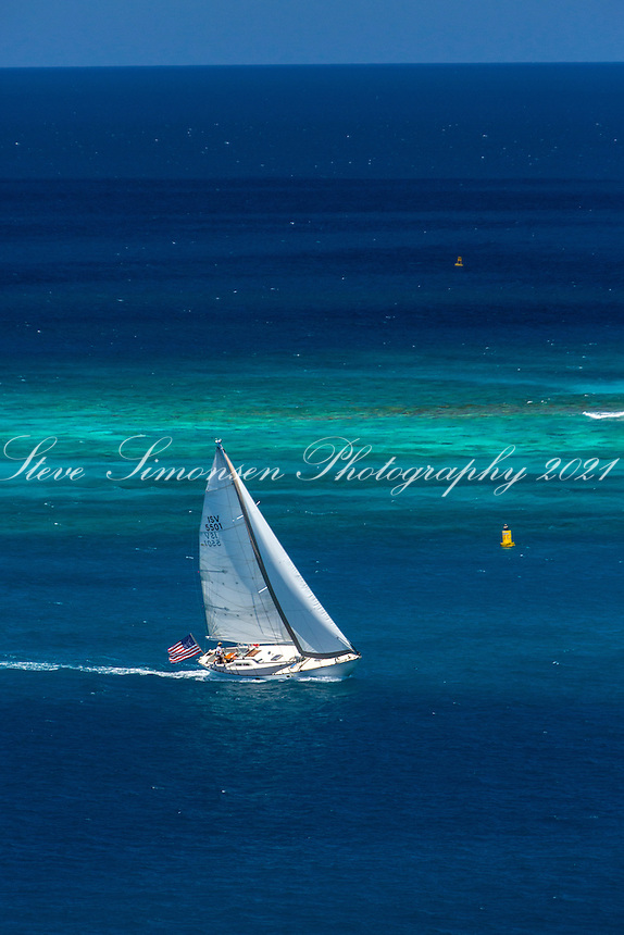 Sailing near Johnson's Reef<br />