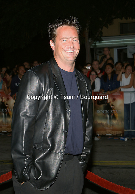 Matthew perry arriving at the Rock Star premiere  at the Westwood Village Theatre in Los Angeles. © Tsuni          -            PerryMatthew006.jpg