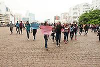 SÃO PAULO,SP, 06.10.2015 - PROTESTO-ESTUDANTES - Estudantes de escolas estaduais fazem protesto por melhores condições de ensino e contra o fechamento de escolas e mudanças no sistema estadual de ensino, no vão livre do Masp, na Avenida Paulista, em São Paulo, na manhã desta terça-feira (06). (Foto: Gabriel Soares/Brazil Photo Press)