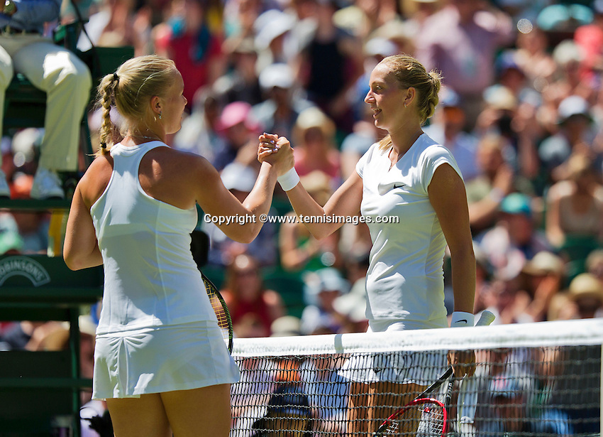 England, London, June 30, 2015, Tennis, Wimbledon, Kiki Bertens (NED) (L) sjekkies the hand of winner Petra Kvitova (CZE)<br /> Photo: Tennisimages/Henk Koster