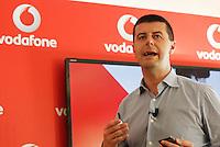 Vodafone presenta la nuova rete veloce la LTE ADVANCED che viaggera a 250Mbps Citta  test della rete sara  Napoli <br /> nella foto Stefano Gaustat direttore consumer mobile di vodafone