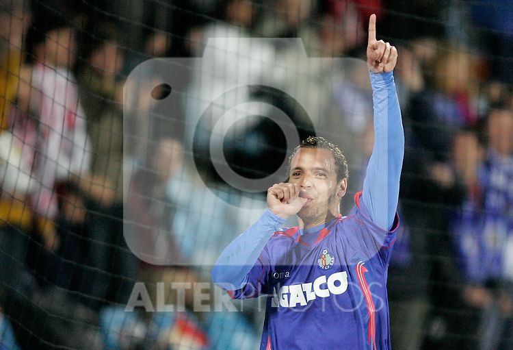 Getafe's Roberto Soldado celebrates during La Liga match, February 22, 2009. (ALTERPHOTOS/Alvaro Hernandez).