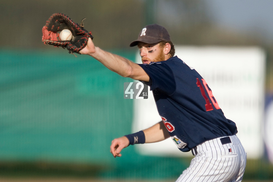 11 Oct 2008: Nicolas Dubaut is seen at first base during game 1 of the french championship finals between Templiers (Senart) and Huskies (Rouen) in Chartres, France. The Templiers win 5-2 over the Huskies