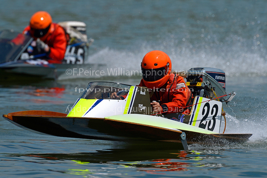 23 and 44-S   (Outboard Hydroplane)