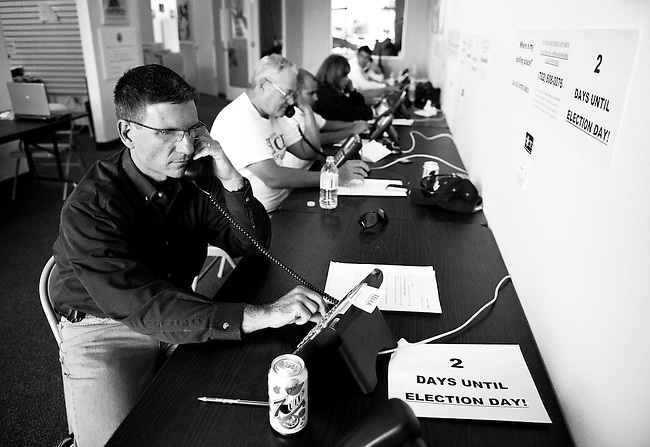 Nevada Republican candidate for Congress Dr. Joe Heck helps volunteers call voters from his campaign office in Las Vegas on Oct. 31, 2010. Dr. Heck was seeking to unseat Democratic Congresswoman Dina Titus.  (Photo By Bill Clark/Roll Call)
